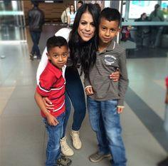 Los Abrazos son Gratis! Abraza YA a quien tienes a tu lado ❤️❤️❤️ #estamosenelcorazondeloscolombianos