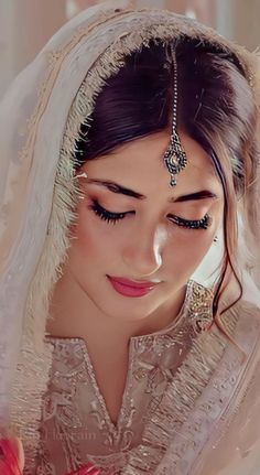Asian Wedding Dress Pakistani, Pakistani Dresses Casual, Young Girl Models, Sajjal Ali, Adriana Lima Lingerie, Stylish Dpz, Pakistani Actress, Outfit Goals, Girl Crushes