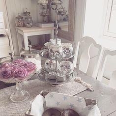 Credit: @carolineinterior _____________________________________  Hope you are having a wonderful day! _____________________________________ #stylish #cozyhome #home #homedesign #homeinterior #homesweethome #instalove #instadaily #roominterior #beatifulhome #beautifulhouse #decor #zuhause #inspiration #interior #interiör #interiores #decora #decoracion #interiordesign #interiordecor #style #lovely #homedecor #cozy #classy #dream #amazing by hem_inspiration
