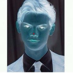 Woahhhhh that is crazyyyy I can see it in color!!!! Look at the dot for 20-30 seconds then look at a blank wall and blink