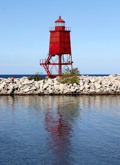 Racine Breakwater Lighthouse, Wisconsin at Lighthousefriends.com