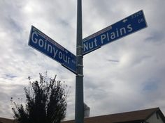 Street sign says Go-in-your way lol