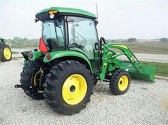 My dream tractor some day. Jd Tractors, John Deere Tractors, John Deere 4720, John Deere Equipment, Tractor Implements, Compact, Farming, Motors, Barn