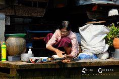 Damnoen Saduak 5/8 (life on the rive), via Flickr.