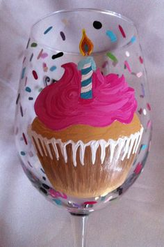 Personalized Happy Birthday Cupcake Wine Glass by thepaintedflower Birthday Wine Glasses, Diy Wine Glasses, Decorated Wine Glasses, Hand Painted Wine Glasses, Wine Glass Crafts, Wine Craft, Wine Bottle Crafts, Wine Cupcakes, Cupcake Wine