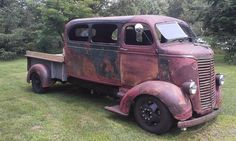 Vintage Trucks 4 vehicles merged into one makes this not only a very unique COE, but it makes for a killer custom. Check out the progress that Doug Brarens is making on his Chevrolet COE! Cool Trucks, Big Trucks, Chevy Trucks, Pickup Trucks, Rat Rod Trucks, Small Trucks, Chevy Pickups, Pick Up, Rat Rod Pickup