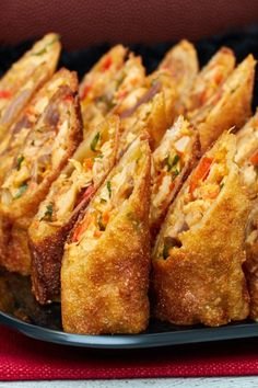 game day food This Buffalo Chicken Rolls Recipe is perfect to watch the Falcons play the Patriots in the Superbowl. This Big Game appetizer is great Game Day food. Buffalo Chicken Rolls, Chicken Egg Rolls, Chicken Spring Rolls, Chicken Sandwich, Buffalo Chicken Recipes, Basil Chicken, Chicken Eggs, Chicken Pasta, Chicken Appetizers
