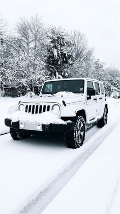 All white Jeep Sahara Unlimited Maserati, Bugatti, Auto Jeep, Jeep Cars, Jeep Jeep, Jeep Truck, Dream Cars, My Dream Car, Car For Teens
