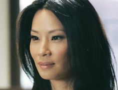 Actrice renommée depuis son rôle d'avocate arrogante dans la série Ally McBeal, Lucy Liu est née à New York et a étudié les cultures et les langues orientales à l'université du Michigan où elle obtient un diplôme. D'origine chinoise, la jeune femme parle couramment le mandarin et...