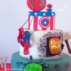 The Avengers Cake? Then, this gotta be a Supercake 😉 Credit: Clara Altomare The Avengers Cake? Then, this gotta be a Supercake 😉 Credit: Clara Altomare Hulk Torte, Hulk Cakes, Batman Cakes, Avengers Birthday Cakes, Superhero Birthday Cake, Geek Birthday, 4th Birthday Cakes, Birthday Star, Cake Decorating Videos