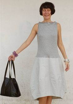 It is a grey linen dress with the top in soft jersey viscose. Nice Dresses, Casual Dresses, Dresses For Work, Womens Linen Dresses, Pants For Women, Clothes For Women, Couture, Trending Outfits, Modern