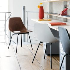 Seats on Maisons du Monde. Take a look at all the furniture and decorative objects on Maisons du Monde. Amsterdam, Pierre Guariche, Architecture Design, Cuir Vintage, Home Collections, My Dream Home, Furniture Decor, Dining Chairs, Sweet Home