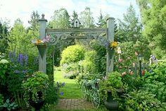 Aiken House & Gardens: Inside the Gardener's Cottage