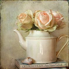 Beautiful painting, love the roses in the tea pot