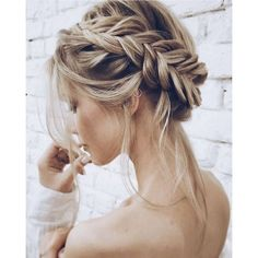 Unique Wedding Hair Ideas You'll Want to Steal ❤ liked on Polyvore featuring accessories, hair accessories and hair