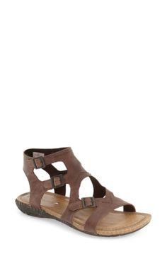209b13577ffa Merrell  Whisper Buckle  Sandal
