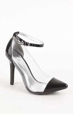 Invisible pointed-toe pumps<3 Get 5% Cash Back http://studentrate.com/itp/get-itp-student-deals/Pacsun-Student-Discount--/0