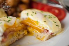 Making a delicious Classic Eggs Benedict breakfast at home is much easier than you think, especially when you whirl up the hollandaise sauce in the blender. #eggsbenedict #easy #hollandaise #recipe #foracrowd #howtomake #besteggsbenedict #blenderhollandaise #poachedeggs