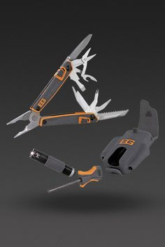 image of Bear Grylls Survival Tool Pack in One Color - THIS MIGHT BE THE COOLEST MULTI TOOL I'VE SEEN!