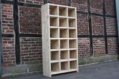 Regal aus recyceltem,altem Bauholz ,Gerüstbaubrett von Linnards - handgearbeitete Bauholzmöbel auf DaWanda.com