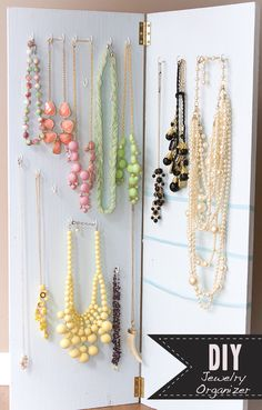DIY jewelry holder ideas, display, storage, organizer, steampunk, tray, pearl, resin, stamping, cheap, pouch, chain, clay, wood, ceramic, pallet, homemade and gold