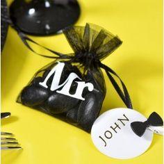 Sachet à dragées Mr noir blanc organdi les 10 Mr Mrs, Organdi, Decoration, Nom Nom, Sunglasses Case, Sachets, Decor, Decorations, Decorating