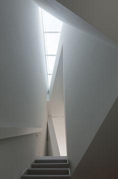 http://www.interioresminimalistas.com/wp-content/uploads/2013/07/casa-en-tamatsu-kenji-ido-12.jpg