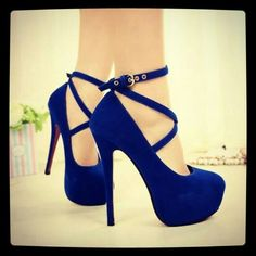 Cross cross blue heels
