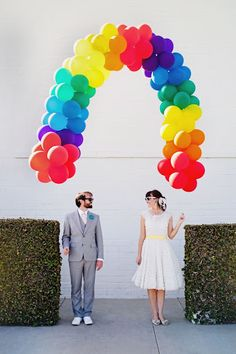 Cool couples picture (this would even be great for kids...I'm thinking...birthday party...UP theme...hmmmm)