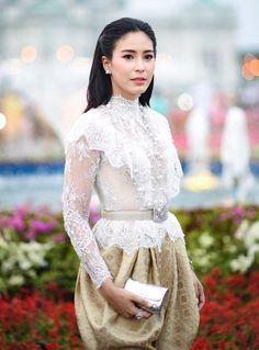 - New Ideas Traditional Thai Clothing, Traditional Fashion, Traditional Dresses, Kebaya Modern Dress, Kebaya Dress, Kebaya Brokat, Thai Wedding Dress, Muslimah Wedding Dress, Thai Fashion