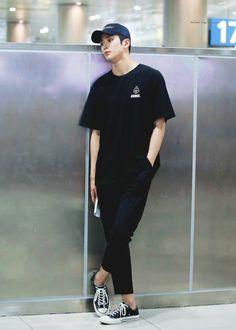 Korean Boys Ulzzang, Korean Men, Kpop Fashion, Korean Fashion, Swag Boys, Bae, N Girls, Hello Gorgeous, Airport Style