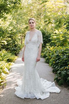 082114773dd Marchesa  Essence  size 4 used wedding dress front view on bride Essence Wedding  Dresses. Nearly Newlywed