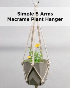 Macrame Plant Hanger Patterns, Macrame Wall Hanging Diy, Macrame Plant Holder, Macrame Plant Hangers, Macrame Patterns, Plant Holders Diy, Rope Plant Hanger, Macrame Projects, Diy Projects