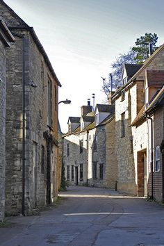 Marlborough Lane, a quiet short cut off the Market Square in the centre of town Witney Oxfordshire, Oxford England, View Image, Geography, Street, Places, Family History, Genealogy, Nostalgia