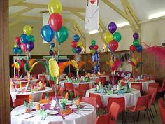 simple balloon and feather centerpieces