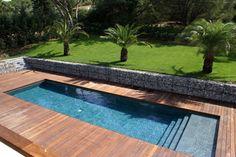 Volet de piscine immerg cach derri re escalier for Big blue piscine