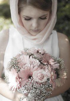 Arlington Wedding Photographer, Lizzi Barrett Photography | A 60's Inspired Courthouse Elopement