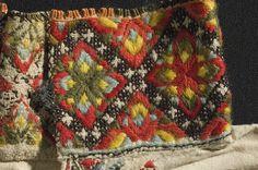 Skjorte @ DigitaltMuseum.no Folk Costume, Costumes, Norwegian House, Hardanger Embroidery, Unique Flowers, Luxury Interior Design, Norway, Bohemian Rug, Diy And Crafts