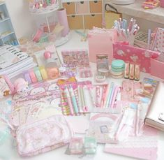 I cant find any words for this happy mail i … - DIY Stationery Stationary School, Cute Stationary, School Stationery, Kawaii Stationery, Kawaii Bedroom, Cute Desk, Cute Room Decor, Cute School Supplies, Too Cool For School