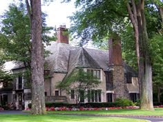 CURB APPEAL – another great example of beautiful design. Grosse Pointe Farm, Michigan. www.pointeinsuranceagency.com