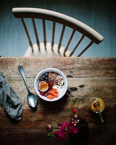 3 Blindsiding Useful Ideas: Rustic Kitchen Appliances rustic table how to make a. Rustic Food Photography, Flat Lay Photography, Fashion Photography, Brunch, Muesli, Restaurant Design, Rustic Restaurant, Recipe Of The Day, Food Styling