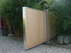 Sliding gate  Google Image Result for http://www.dedaal.be/content/Image/08-11-05/DSC01411.JPG