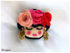 Giugizu's corner: D.I.Y. Frida Kalho felt brooch & paper doll - Spilla in feltro e bambolina in carta fai da te ispirate a Frida Kahlo. VIDEO TUTORIAL ON MY BLOG!!