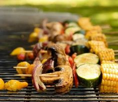 It's grilling time and this year you'll be ready to host safe and healthy backyard barbecues with AICR's tips for the season.  Follow these 5 easy steps so that what you grill and how you grill maximizes taste, but minimizes cancer risk for you and your family and friends.