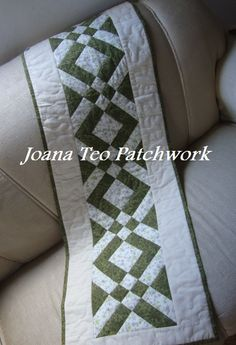 Caminho de mesa de patchwork