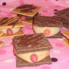 mammo graham treats!  Bahahahaha!!!!!!!