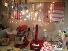 Fun kitchen Parsons Desk, Kitchen Ideas, Kitchen Design, Interior Decorating, Interior Design, Dream Decor, Cool Kitchens, Sweet Home, Garage