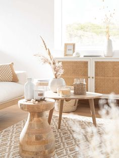 Discover the Slow Life trend at Maisons du Monde and stock up on ideas for your home. Boho Living Room, Living Room Decor, Bedroom Decor, Slow Living, Home And Living, Home Deco, Elle Decor, Cozy House, Home Collections