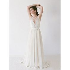 Good afternoon every last lovely one of you! @weddingchicks is taking over and our first pick is this gorgeous gown by Truvelle that is absolutely dreamy! #dress #wedding #gown #bride #love #instafollow