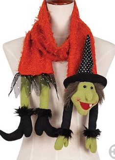 Witch Scarf by c & f grown up Halloween outfit for trick or treating Moldes Halloween, Manualidades Halloween, Adornos Halloween, Halloween Sewing, Halloween Quilts, Halloween Goodies, Halloween Crochet, Halloween Projects, Whimsical Halloween